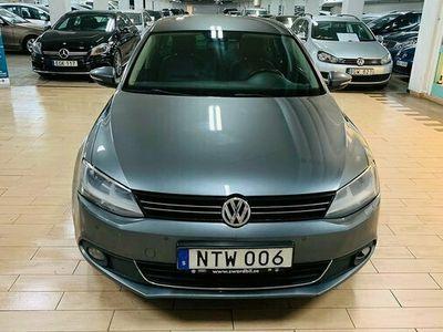 begagnad VW Jetta 1.4 TSI Premium, Sport .NY SERVAD 2011, Personbil Pris 78 000 kr