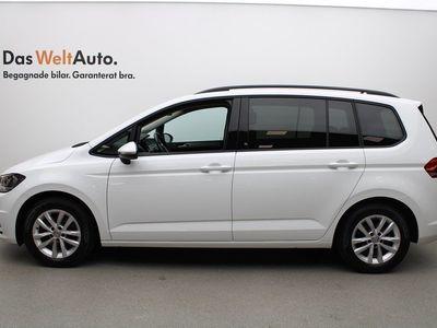 begagnad VW Touran 1.4 TSI 150 Dragpaket 2017, SUV 209 900 kr