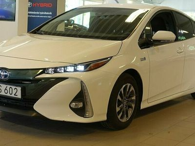 begagnad Toyota Prius Plug-in Hybrid 1,8 ACTIVEV V-HJUL NAVI HUD TKG