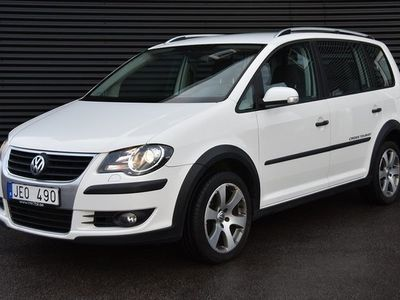 begagnad VW Touran Cross 2.0 TDI DSG 7-sits 140hk
