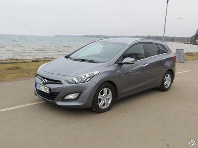 begagnad Hyundai i30 CRDi Premium Kombi körd 3840 mil -13