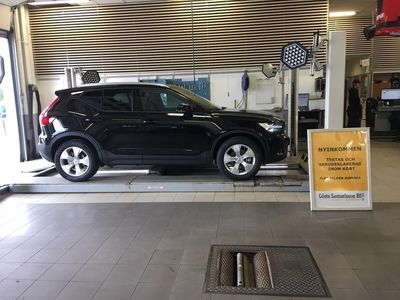 brugt Volvo XC40 D4 AWD Momentum -19