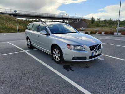 begagnad Volvo V70 D3 Momentum - Dragkrok - 1 ägare