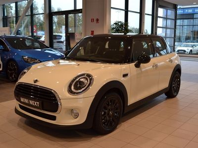 begagnad Mini Cooper 5-d | Essential Edition LCI