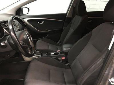begagnad Hyundai i30 1,6 CRDi A6 Premium