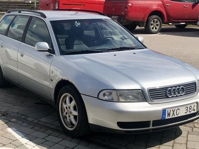 begagnad Audi A4 Avant 2.4 Silver S4 kombi drag