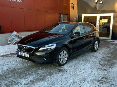 begagnad Volvo V40 CC T3 Geartronic Momentum Euro 6 152hk