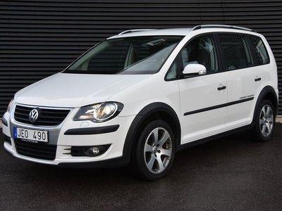 begagnad VW Touran Cross 2.0 TDI DSG 7-sits 140