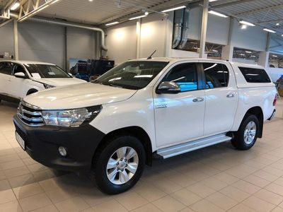 begagnad Toyota HiLux 2,4 AWD Invincible Automa