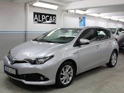 begagnad Toyota Auris 1,8 HSD MOMSBIL NYBES 1 ÄGARE