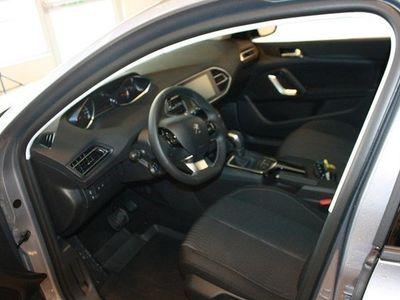 begagnad Peugeot 205 308 SW Active BlueHDi120 Aut 2017, Kombi400 kr