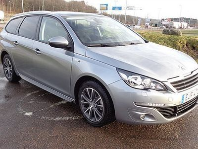 begagnad Peugeot 308 1,6 e-HDi 120hk Style GPS+Panorama+Backkamera