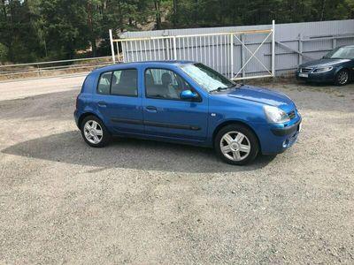 begagnad Renault Clio R.S. 5-dörra Halvkombi 1.2 75hk Nybes