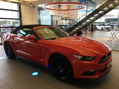 begagnad Ford Mustang GT Cabriolet 421hk automat