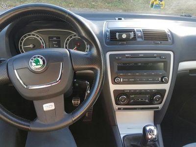 begagnad Skoda Octavia RS TDI 170HK Dragkrok m-värmare -09