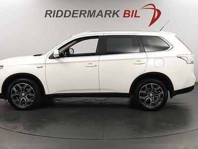 begagnad Mitsubishi Outlander P-HEV HYBRID 4WD KOMFORT EU6 *SE SPEC* HELFÖRSÄKRA*