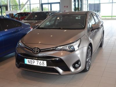 begagnad Toyota Avensis 1.8 Touring Sports (147hk) -16