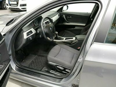 begagnad BMW 318 i Sedan Comfort 143hk OBS 4785 mil