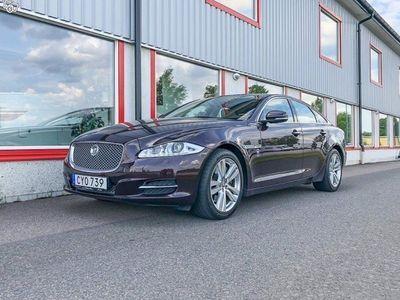 begagnad Jaguar XJ 3.0D Premium Luxury Aut Paddlar Panorama NAVI r Diesel 2010, Sedan 345 000 kr