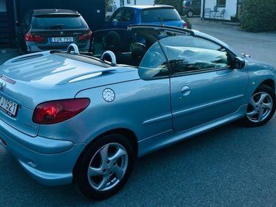 "begagnad Peugeot 206 CC Cab - ""året runt bil"" -06"