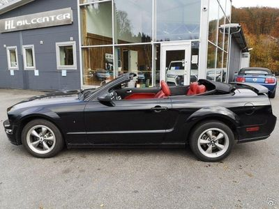 begagnad Ford Mustang GT CAB V8 305HK Auto Lev.Nybes -06