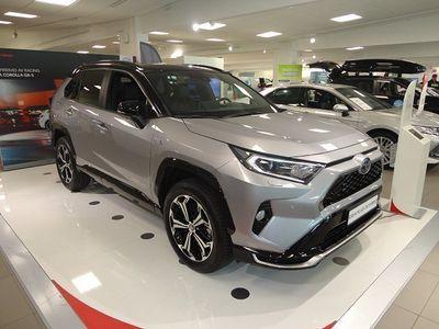 begagnad Toyota RAV4 Plug in 306 hk Går att beställa nu