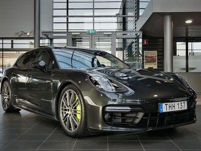 begagnad Porsche 911 Turbo S PanameraE-Hybrid Sport Turismo Leasebar !