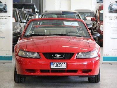 begagnad Ford Mustang Cabriolet 3.8 V6 Automat 193hk -03