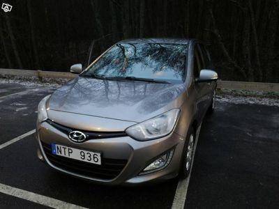 gebraucht Hyundai i20 1.1 CRDi Premium -13