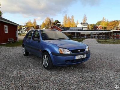 begagnad Ford Fiesta 5-dörrar skattad & besiktad -01