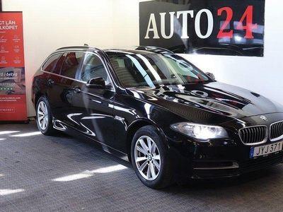 begagnad BMW 520 dA xDrive EU6 Elbaklucka Drag PDC Blå