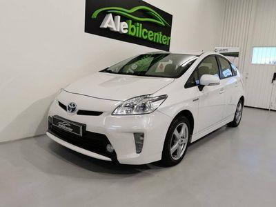 begagnad Toyota Prius Hybrid 1.8 VVT-i + 3JM CVT/NYBES/ 136hk
