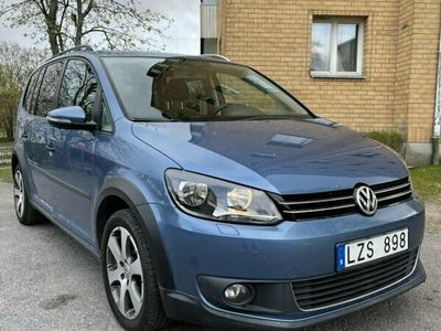 begagnad VW Touran Cross 1.4 TSI DSG