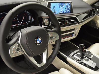 begagnad BMW 730 d Aut xDrive / Exteriördesign Pure Excellence -16