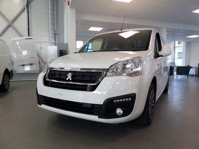 begagnad Peugeot Partner Skåp L1 Pro+ BlueHDi 100