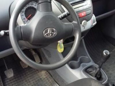 begagnad Toyota Aygo 3d -08