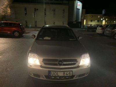 begagnad Opel Vectra Caravan 2.0