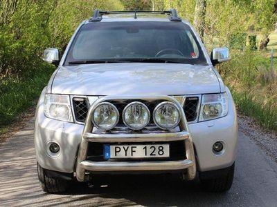 begagnad Nissan Navara 3.0 dCi V6 4x4 / Kåpa / Fullutr -15