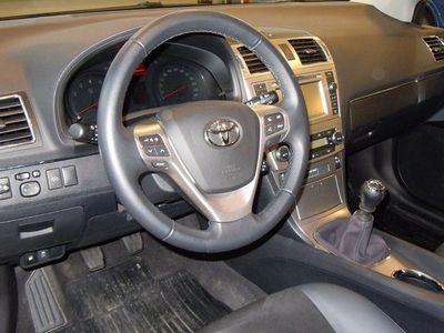 begagnad Toyota Avensis 1.8 Kombi (147hk) Edition50