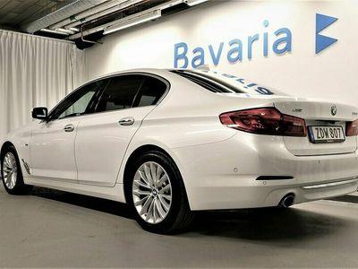 begagnad BMW 530 i xDrive Sedan Taklucka Adaptiv fart Elstol minne