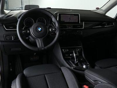 begagnad BMW 220 Active Tourer d xDrive / Model Sport -19
