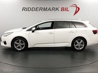 begagnad Toyota Avensis 2.0 D-4D Touring Sports (143hk)