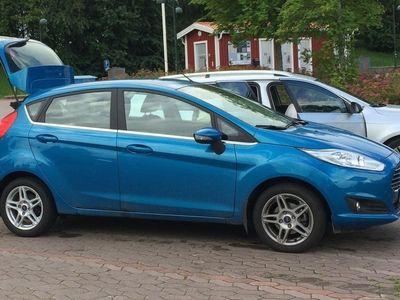 gebraucht Ford Fiesta FiestaTITANIUM 1.0T EcoBoost 100 hk 2014