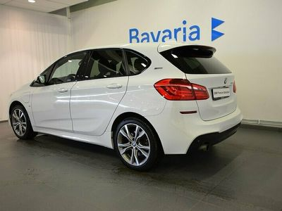 begagnad BMW 225 Active Tourer xe M Sport Connected Parking