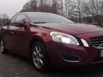 begagnad Volvo S60 D3 Momentum AUTO VÄRMARE 200hk