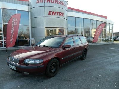 begagnad Volvo V70 2.4 Business Dragkrok 2001, Kombi 9 900 kr