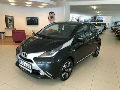 begagnad Toyota Aygo 1,0 5D EXCLUSIVE 10700 mil Skinn Farth Keyless