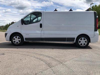 begagnad Renault Trafic 2.0 dCi Skåp Buss 2014, Personbil 85 000 kr