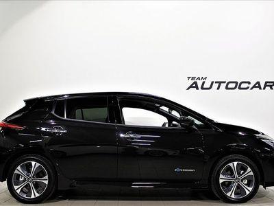 begagnad Nissan Leaf N-Connecta 40 kWh inkl service & v-hjul