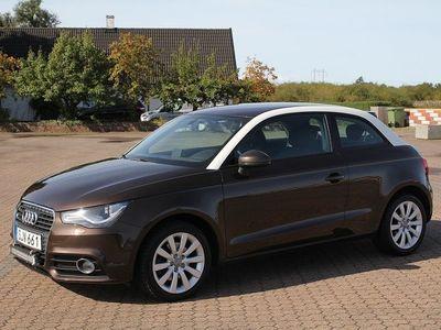 begagnad Audi A1 1,4 TFSI 122HK / SE UTRUSTNING / 0kr kontant